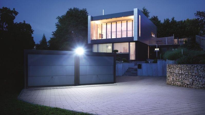 naświetlacz LED od steinel